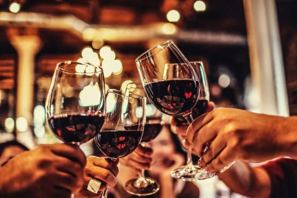 wine-gettyimages-160836693_1_0-1100x733